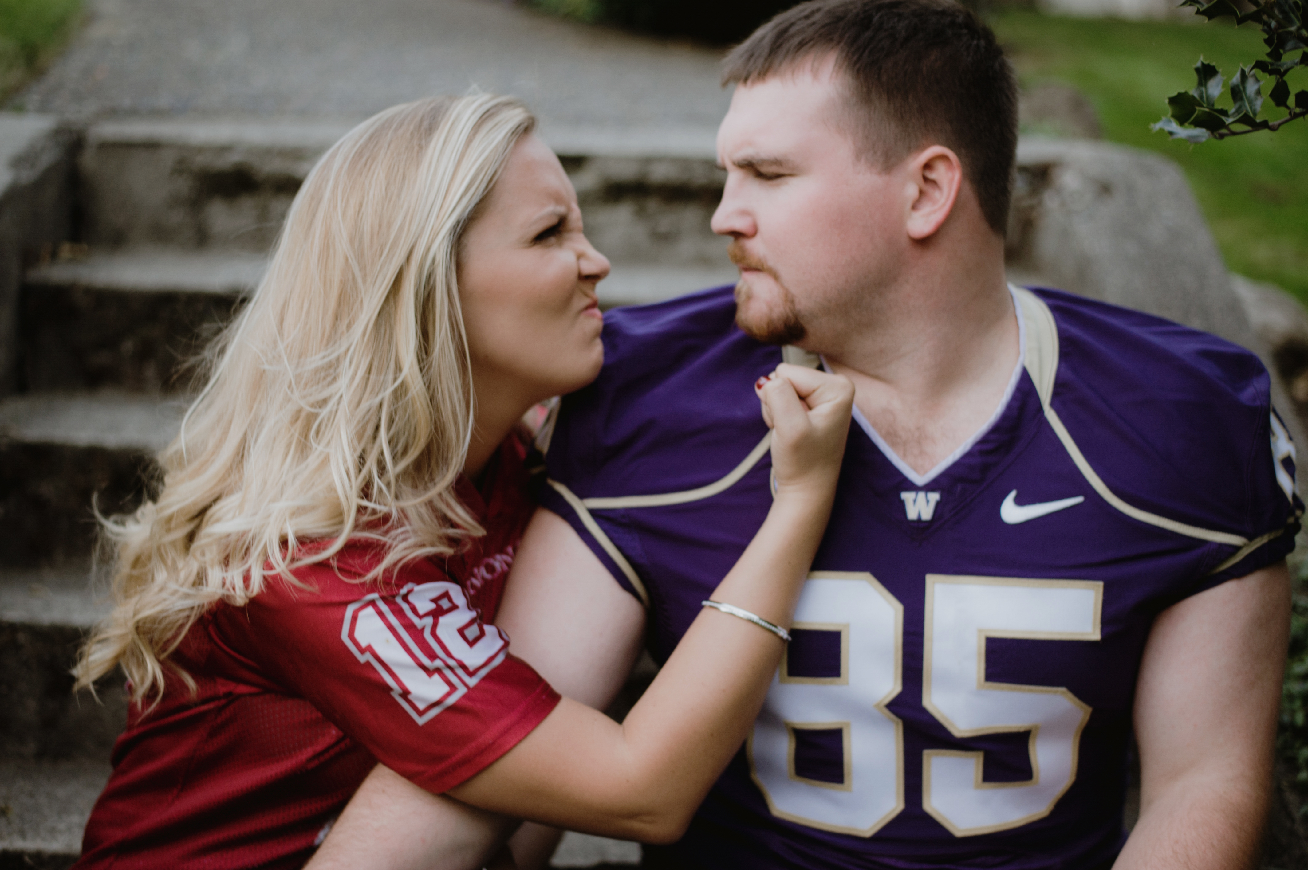 Seattle engagement | Cougar Husky couple engagement shoot | Carly Bish Photography | Perfectly Posh Events
