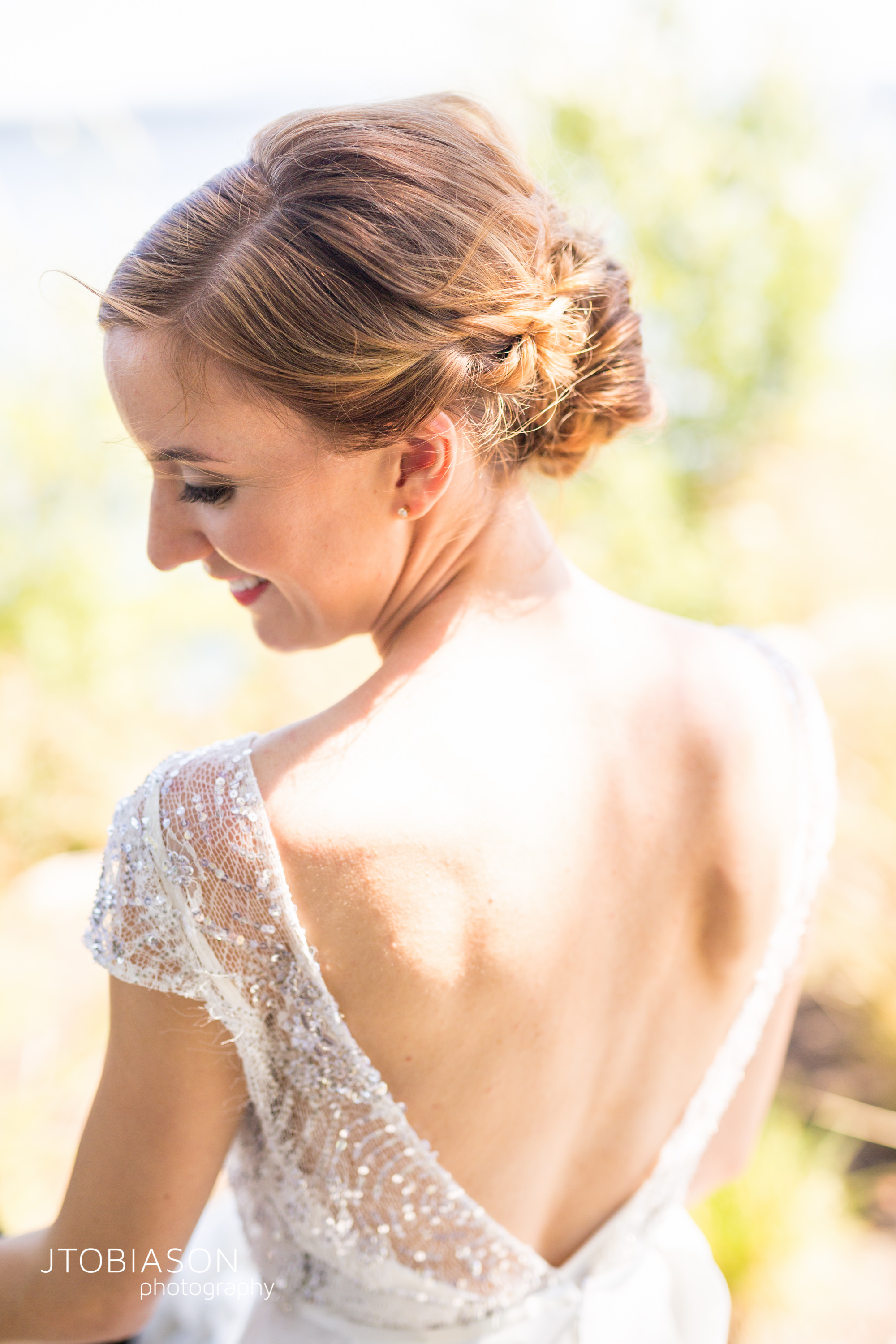 Seattle Tennis Club wedding in Seattle | Open back bridal gown from The Dress Theory | Perfectly Posh Events, Seattle Wedding Planner | JTobiason Photography
