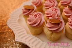 Seattle Wedding Planner, Perfectly Posh Events | Pink frosting cupcakes | Barbie Hull Photography | Baked