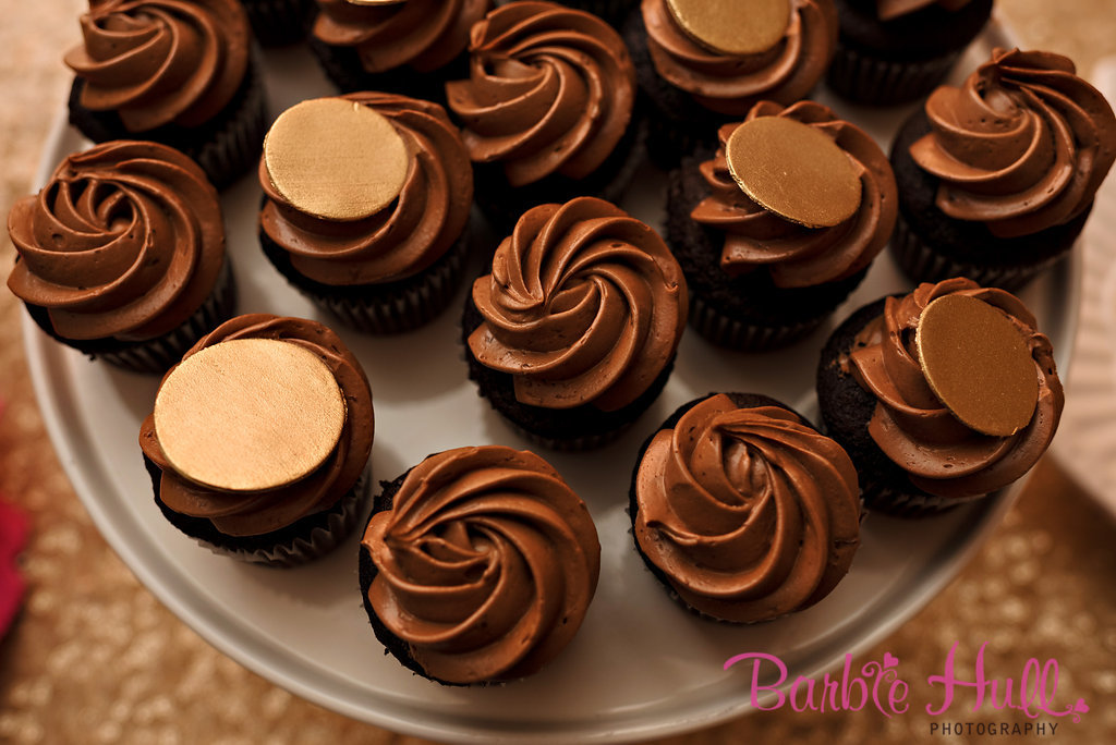 Seattle Wedding Planner, Perfectly Posh Events | Mini Chocolate Cupcakes | Barbie Hull Photography | Baked