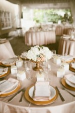 Perfectly Posh Events | Blush and gold wedding | Seattle Wedding Planner | Gold charger with blush napkins | Andria Lindquist Photography