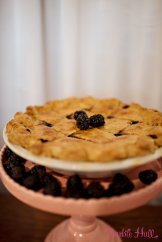 Seattle Wedding Show, I Do Sodo | Classic berry pie from A la Mode Pies | Perfectly Posh Events | Barbie Hull Photography | A la Mode Pies