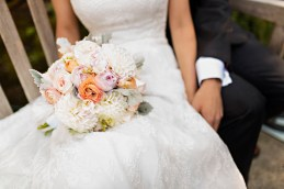 Robinswood House Wedding in Bellevue | Blush, peach, and white bridal bouquet | Perfectly Posh Events, Seattle Wedding Planner | Courtney Bowlden Photography | Sublime Stems