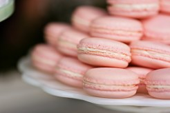 Robinswood House Wedding in Bellevue | Pink macarons for dessert bar option | Perfectly Posh Events, Seattle Wedding Planner | Courtney Bowlden Photography | Midori Bakery | Pink macarons at wedding