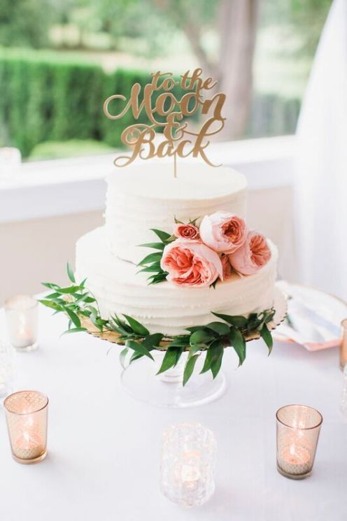 Glen Acres Golf Club | Seattle | Seattle Wedding Planner | Perfectly Posh Events | Barrie Anne Photography | Butter and Bloom | To The Moon and Back Wedding cake topper