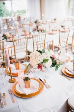 Glen Acres Golf Club   Seattle   Seattle Wedding Planner   Perfectly Posh Events   Barrie Anne Photography   Gold place setting   Butter and Bloom florals