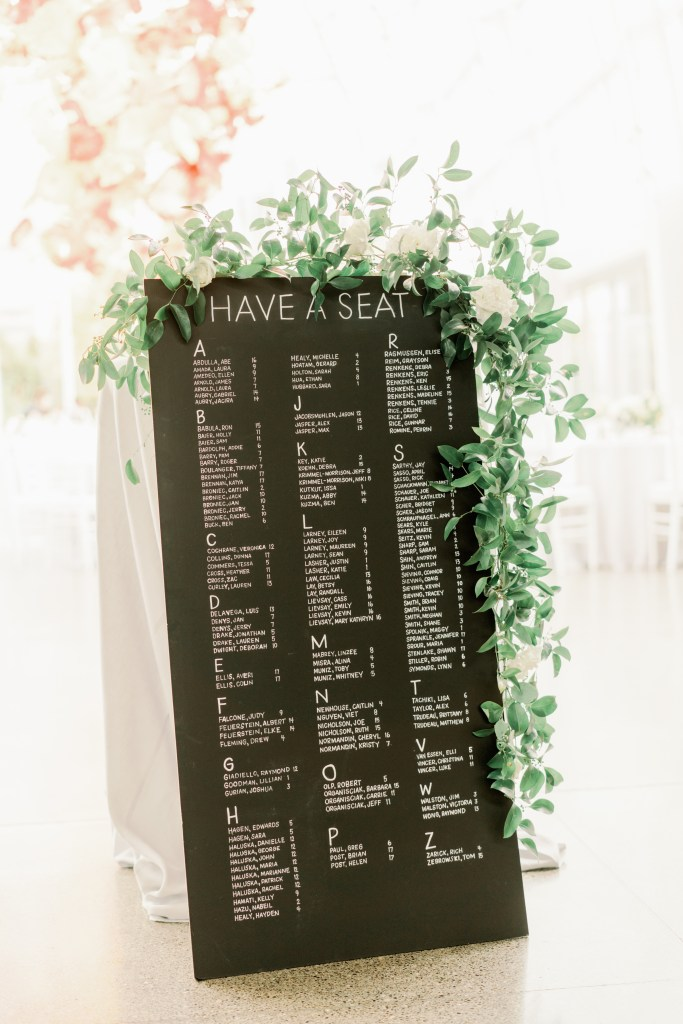 Clean lines and negative space is a wedding design trend we'll be seeing in the 2020 wedding season.