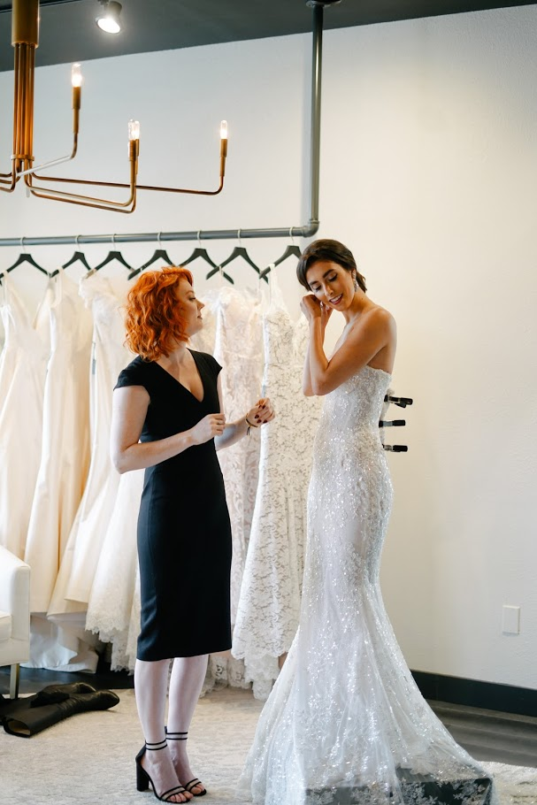 Tips for How to Buy a Wedding Dress in a Pandemic. Click to read more tips on shopping for a wedding dress amidst COVID-19. Wedding planning by Perfectly Posh Events, based in Seattle. Wedding Dress sourced from Nyanza Bridal in Kirkland, WA. Photo Credit by Oksana Ogorodnik. #perfectlyposhevents