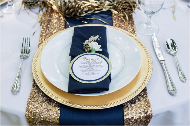 Seattle Wedding Planner | Gold table runner with navy accents | Bethany Carson Photography
