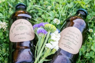 Home brew beer wedding favor with custom bottle labels | Meadowbrook Farm Wedding, Snoqualmie, WA | Perfectly Posh Events, Seattle Wedding Planner | Sasha Reiko Photography | Jesse + Wes Wedding // © Sasha Reiko Photography