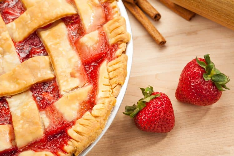 This Easy Strawberry Rhubarb Pie recipe means Spring will be here soon!  The tangy combination of sweet strawberries and tart rhubarb is the best!