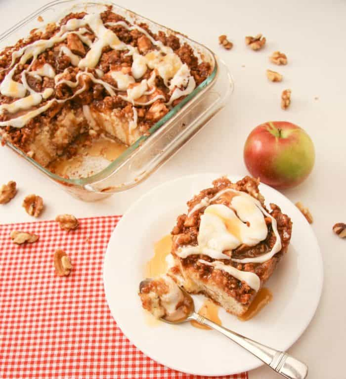 apple pie coffee cake is so easy to make - you can have your pie and cake together!