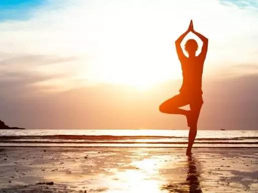 yoga-4200x2208-sunrise-morning-beach-4k-1029