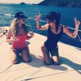 rs_600x600-150819152926-600-2-khloe-kardashian-kendall-jenner-vacation-swimsuit-jl-081915