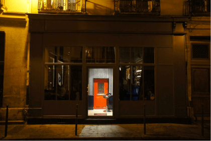 little-red-door-paris-entrance