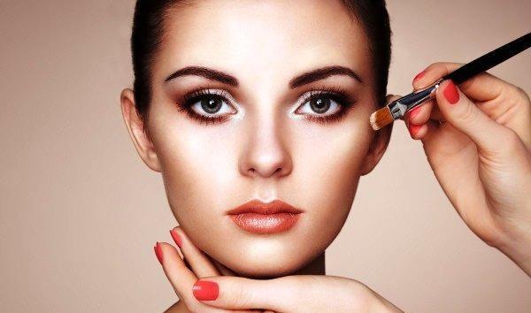 Como fazer maquiagem profissional