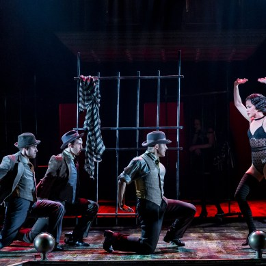 Drury Lane's CHICAGO Has That Razzle Dazzle
