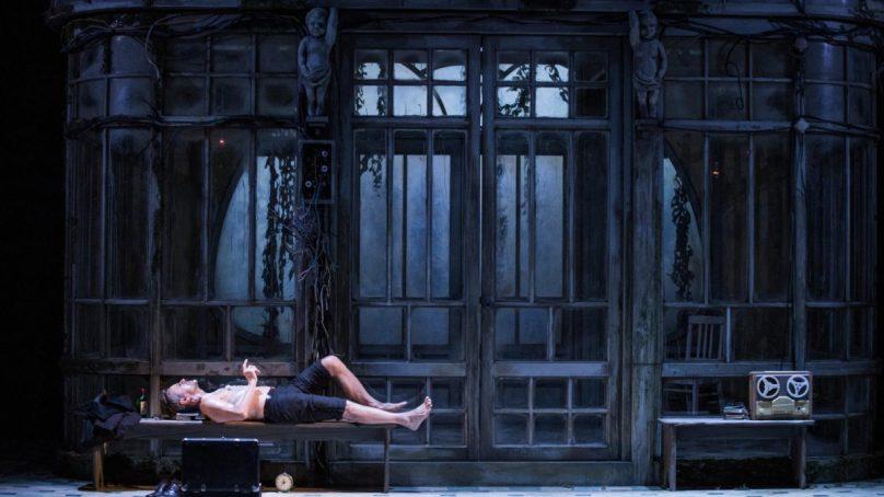 Mikhail Baryshnikov Comes to Harris Theater in One-Man Play