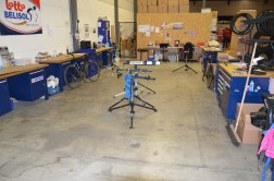 Team mechanic workstations