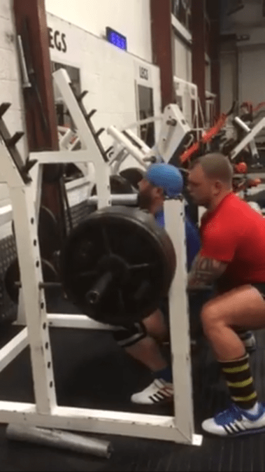PFG Owner Scott halliday smoking 3 easy reps at 180kg on the front squat