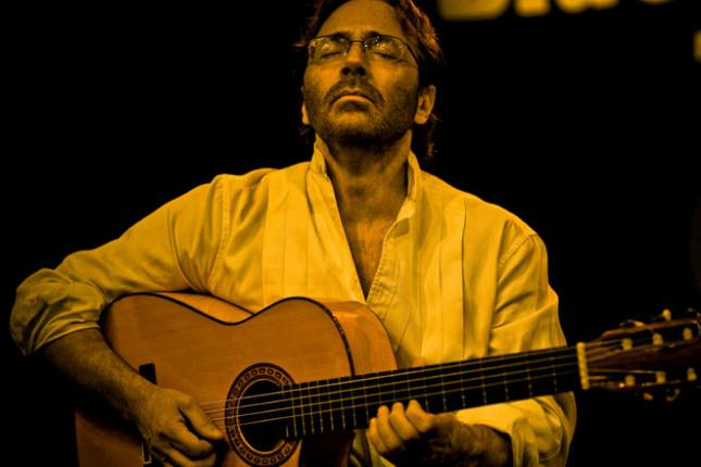A Conversation with Al Di Meola: A Tribute to The Beatles and a Night at Ronnie Scott's