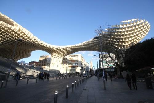 Seville a l'aube Metropol_ParasolSeville WikiMedia