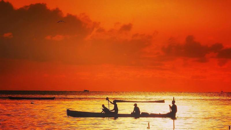 Pantai Kastela Ternate via @langkah.anaknegeri