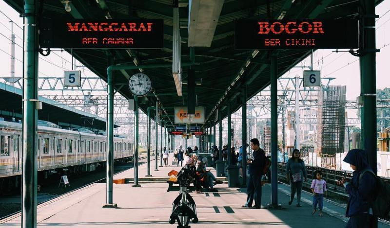Stasiun Manggarai, Jakarta via @jmyhntn