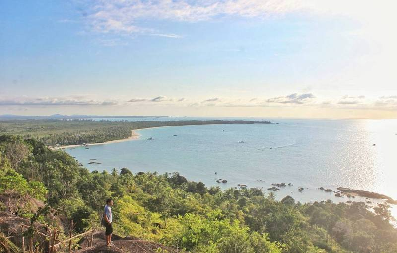 Bukit Pala, Teluk Limau, Kecamatan Parittiga, Kabupaten Bangka Barat, Bangka Island, Indonesia via @a.r.b.i.e_