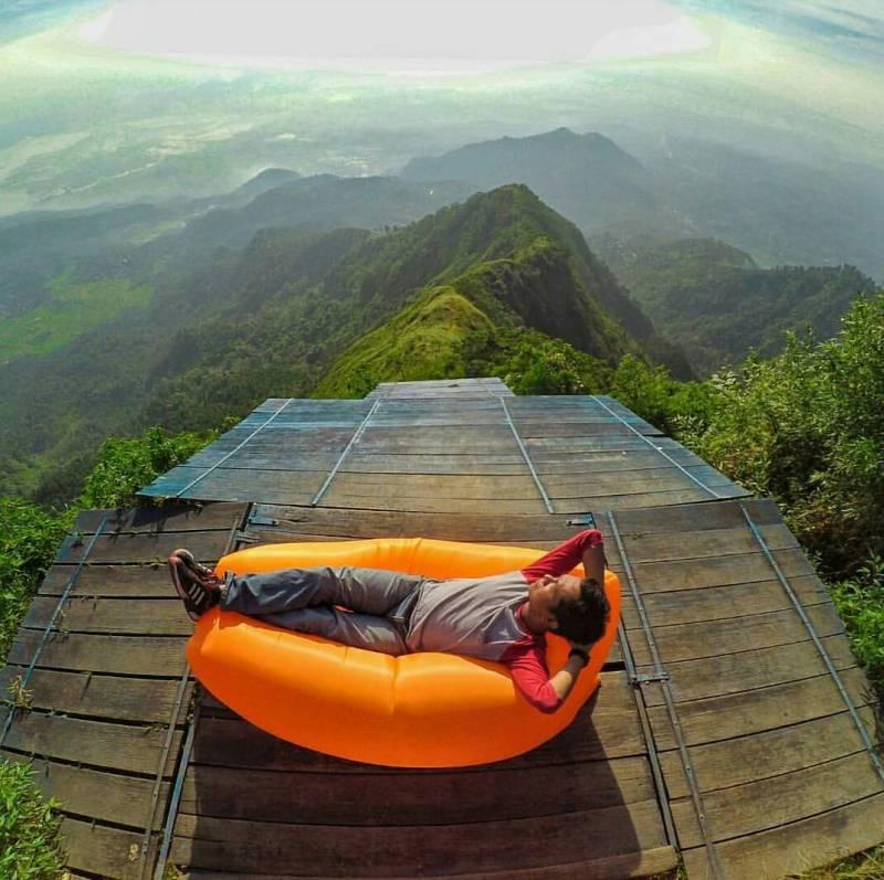 Gunung telomoyo, grabag, magelang via @saiffuul