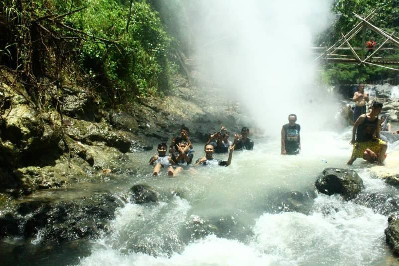 Foto: Puncak Habibbie ini adalah salah satu tempat wisata di Cisolok dengan pemandangan indah via @riougen