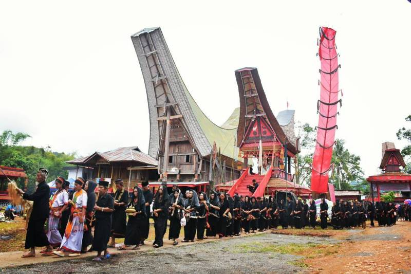 Upacara pemakaman rambu solo' di toraja by IG @tandiayupaul