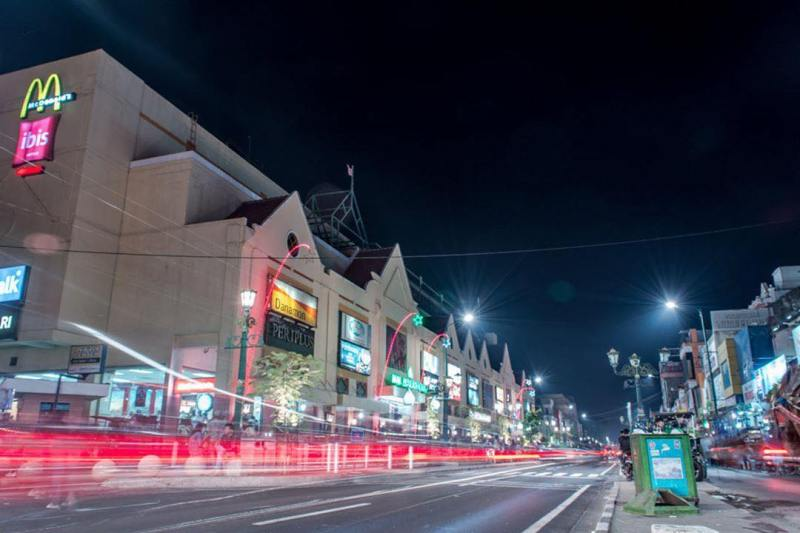Paling menarik mengunjungi Jalan Malioboro ketika malam hari via @malioboro_jogja