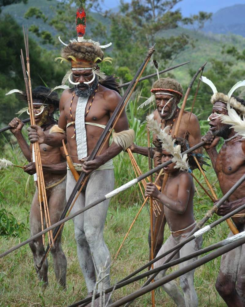 Tidak cuma alamnya, Raja Ampat juga kaya dengan daya tarik wisata budaya via @traveling_aroundthe_world