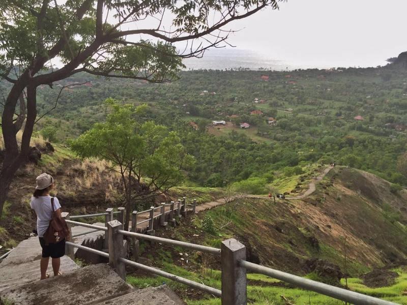 Jalan menuju ke Pura Pemuteran yang indah via @any_yollanda