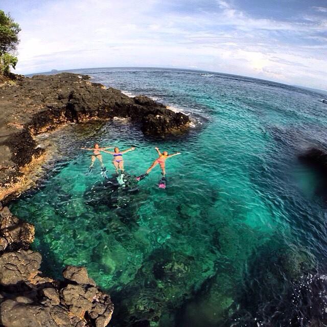 Kamu bisa berlibur ke Manggis Bali dan menikmati keindahan pantainya seperti ini