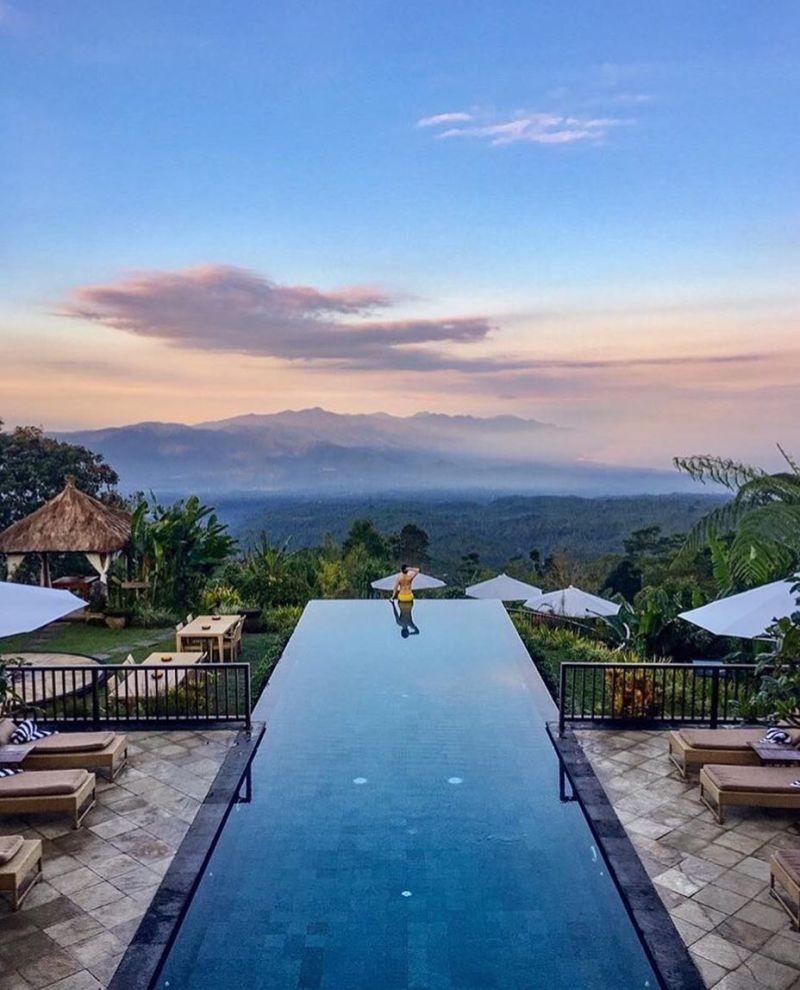 Munduk adalah salah satu daerah wisata di Bali yang asik untuk menikmati alam