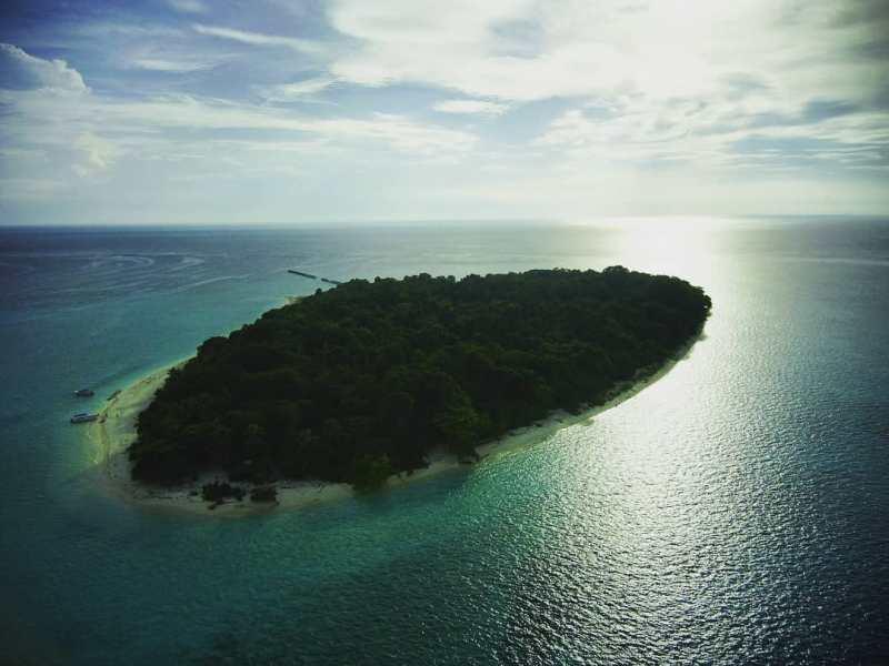 Masih ada juga Pulau Sangalaki di Berau yang bisa kamu Kunjungi! via @sang4laki