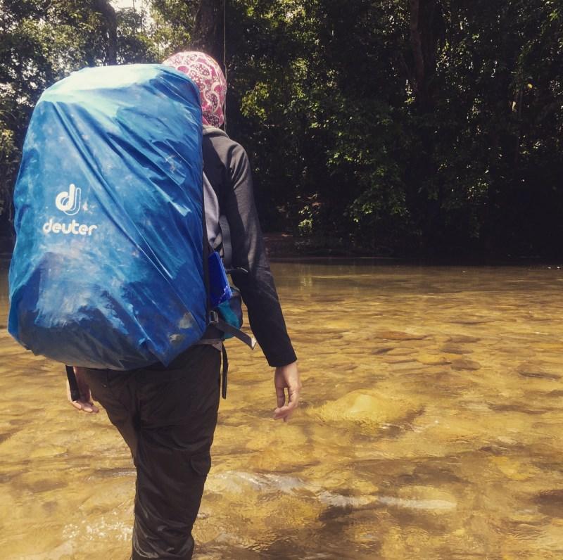 Menaklukkan hutan Kalimantan adalah sebuah pengalaman yang sangat seru!