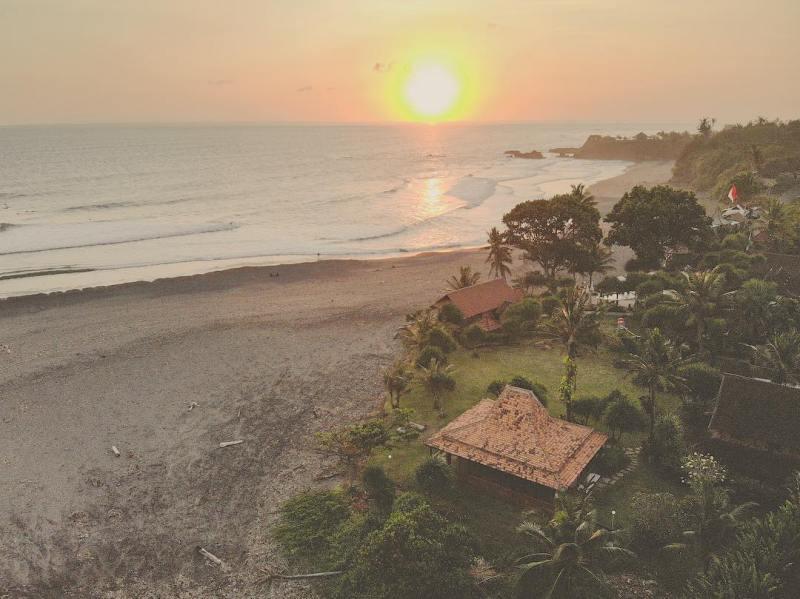 Pantai Balian Beach, Tabanan, Bali via @yoga.rachel