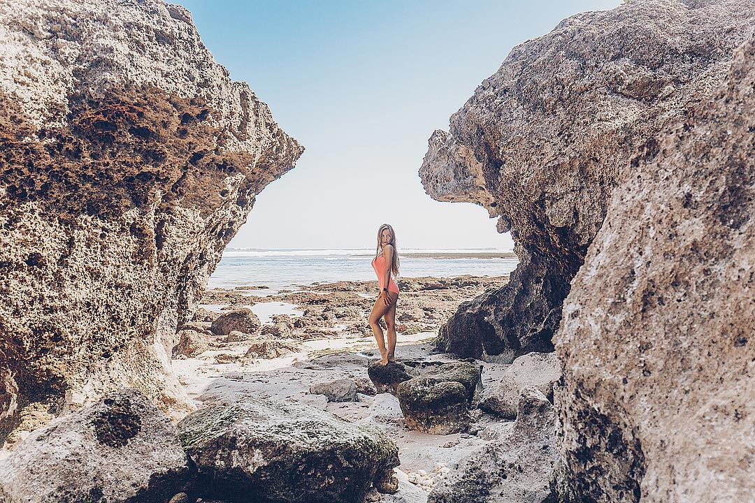 Pantai Green Bowl, Badung, Bali via @yuliya_lodya