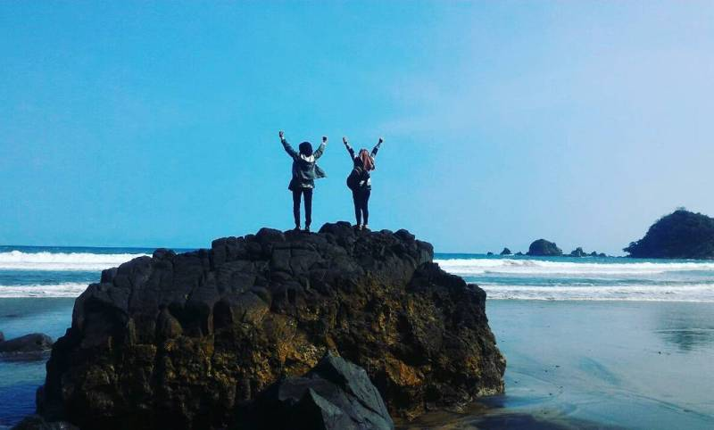 Daftar Tempat Wisata Pantai Di Blitar Jawa Timur Lengkap Pantai Jolosutro Blitar