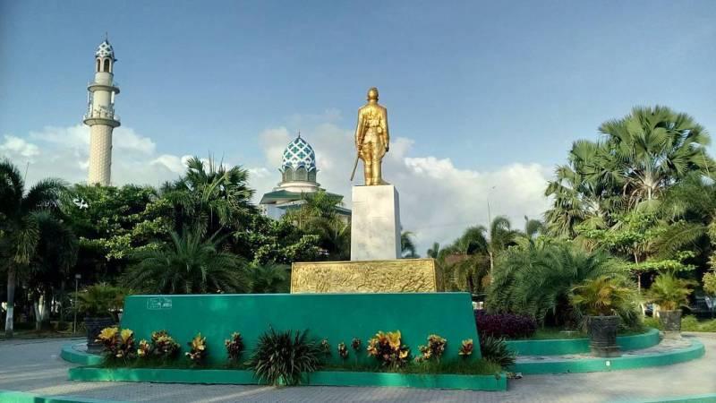 Daftar Tempat Wisata Di Kediri Jawa Timur Lengkap - Alun-alun Kota Kediri