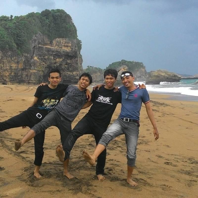 Daftar Tempat Wisata Pantai Di Blitar Jawa Timur Lengkap Pantai Wedi Ireng Ringinrejo Blitar