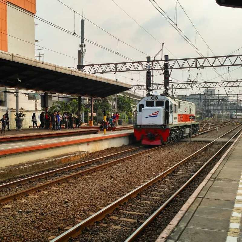 Stasiun Jatinegara Jakarta - Stasiun Di Indonesia