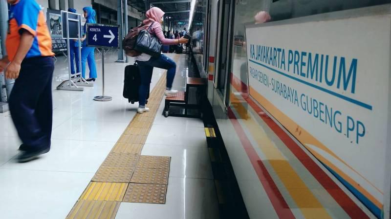 Stasiun Pasar Senen Jakarta - Stasiun Di Indonesia