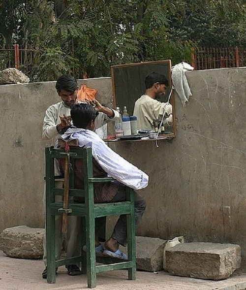 Perierga.gr - Κουρεία της Ινδίας
