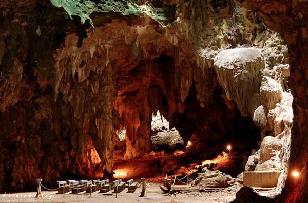 perierga.gr - 23 παράξενες σπηλιές προς εξερεύνηση!