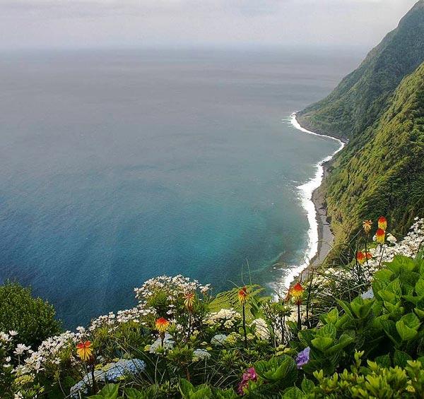 perierga.gr - Το πιο απομωνομένο νησί της Ευρώπης!