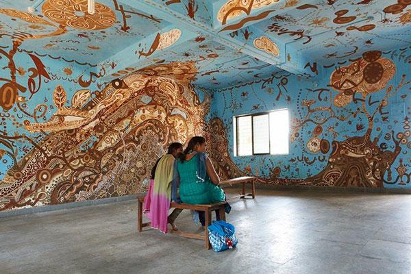 perierga.gr - Απίστευτες τοιχογραφίες στους τοίχους σχολικής αίθουσας!